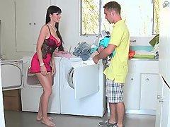 gaping threesome laundry